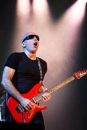 Joe Satriani performs at Nashville's War Memorial Auditorium. Photo by Shawn Jackson.