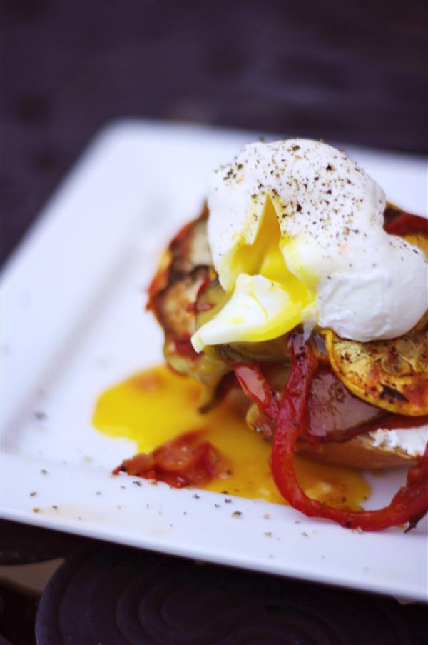 Ratatouille_poached_egg (Custom)