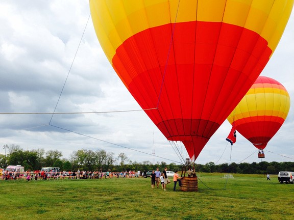 nashville_tethered_hot_air_balloon