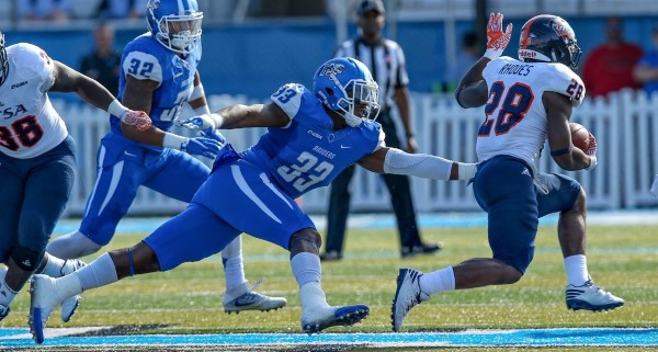 The Blue Raiders had a tough time stopping the Roadrunners' ground game Nov. 5.